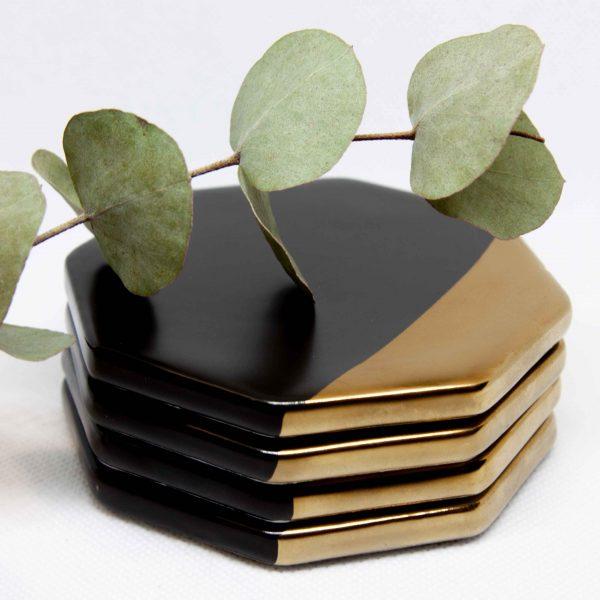 Onderzetter achthoekig, goudkleurig, matzwart, onderzetter zwart en goud kopen